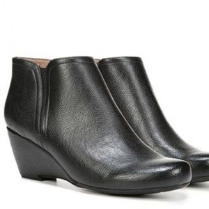 Natural Soul Evans Black Boots